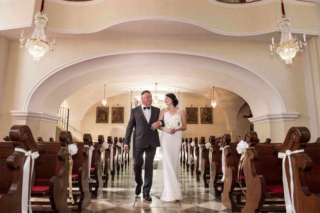 sposa entrata chiesa